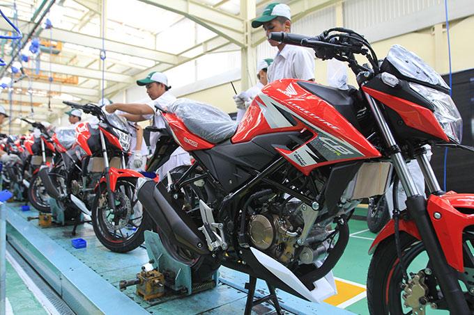 Honda Community New Honda Cb150r Streetfire Hadir Dengan Stripe Baru