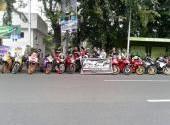 CCI Region Bekasi Membagikan Ta'jil Berbuka Puasa di Area Pintu Tol Bekasi Timur