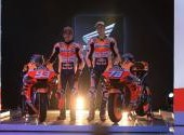 Marc dan Alex Marquez Perlihatkan Motor MotoGP 2020